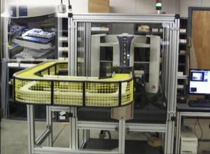 SmartScope Flash CNC500 alimenté par convoyeur