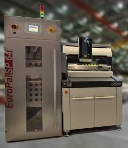 SmartScope FLASH CNC500 et l'armoire robotisée recevant les palettes de pièces à contrôler